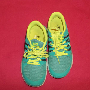 Women's Nike Free 5.0 Runners Size 7